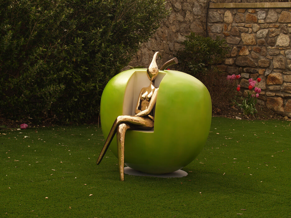 orla de bri apple seat public works